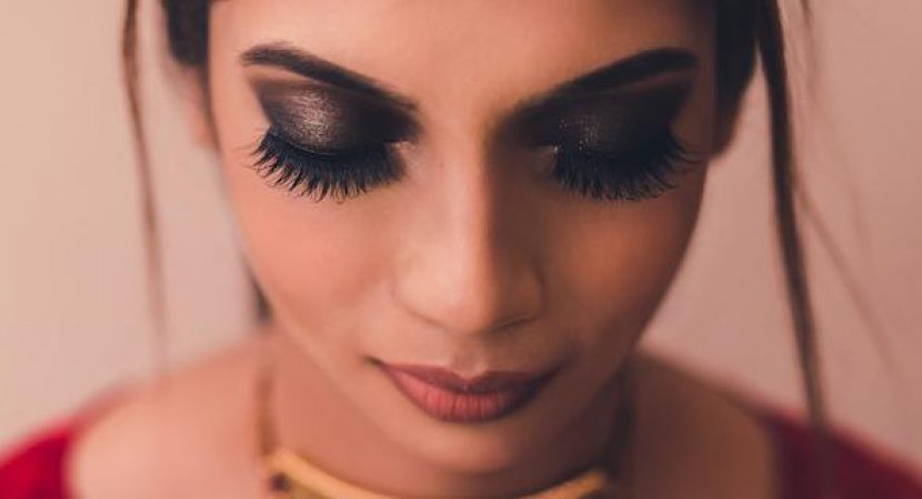 How to apply liquid eyeliner appropriately